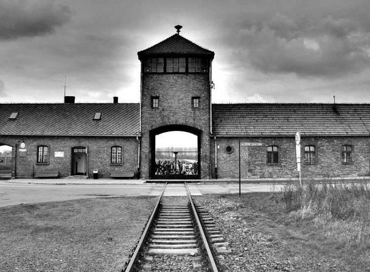 27 января Международный день жертв памяти Холокоста.
