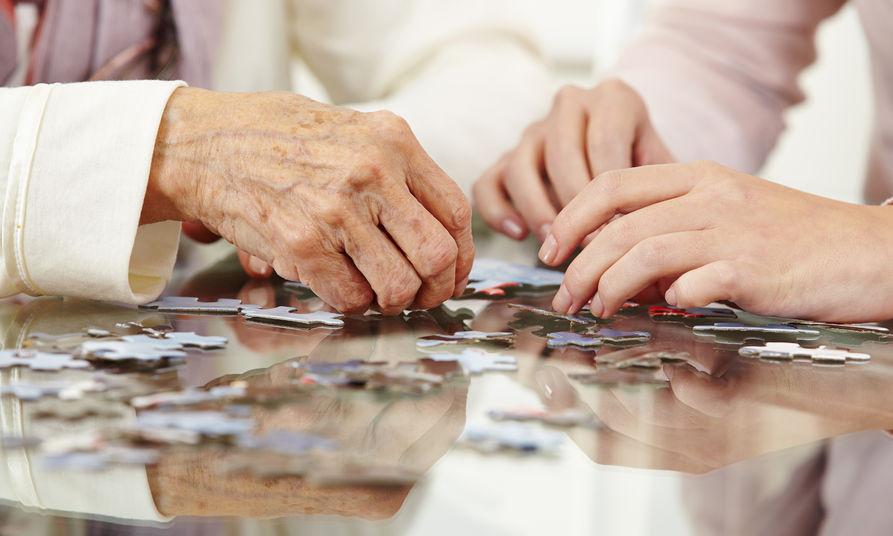משחקים – כלי יעיל ומהנה לשימור ושיפור יכולות קוגנטיביות בקרב קשישים וגם סיעודיים חלקית