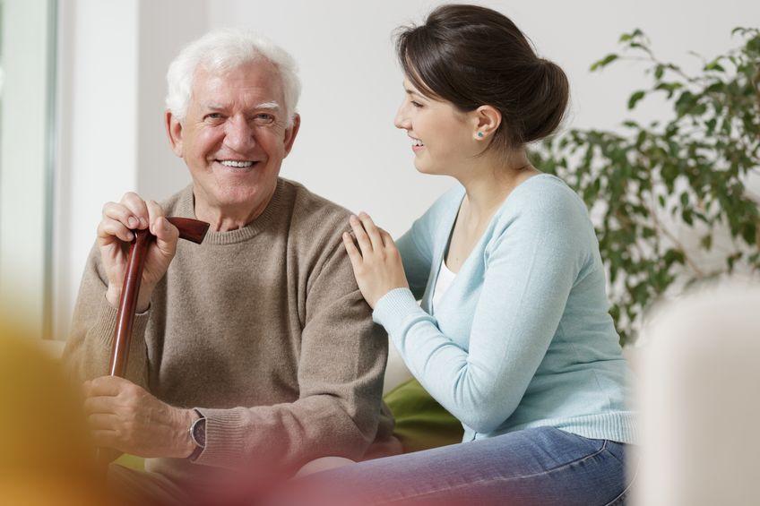 Продление визы для иностранных рабочих по уходу за пожилыми людьми.