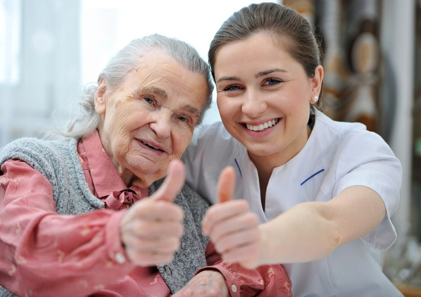 7 Signs of a Great Caregiver for Elderly Patients